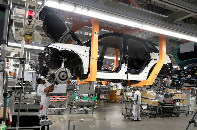 Audi plant in Mexico remains open amid dispute over debts By Reuters